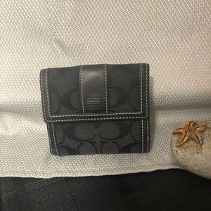 """Coach """"C"""" Logo Vintage Bi-fold Black Wallet"""